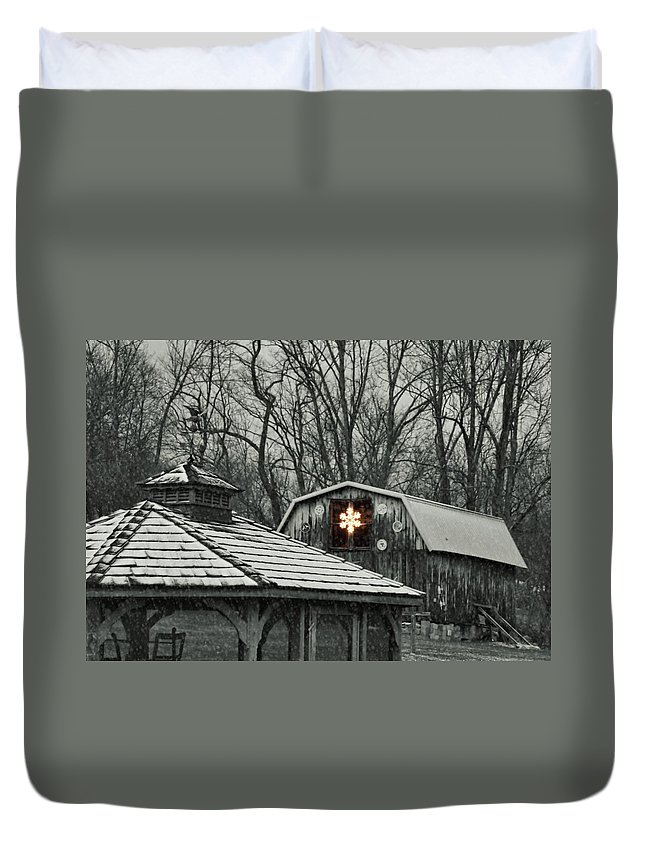Christmas Duvet Cover featuring the photograph Barn Star by JAMART Photography