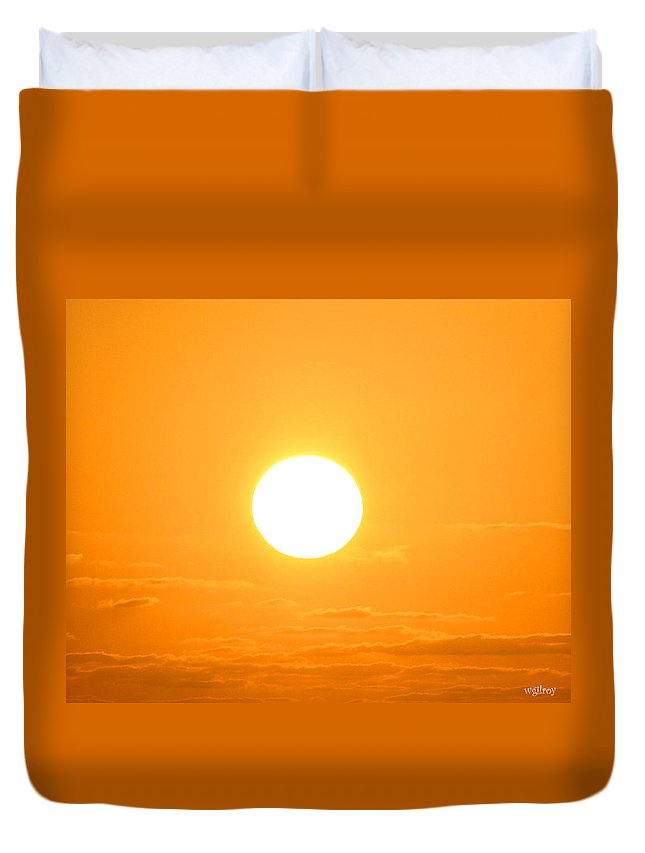 Wgilroy Duvet Cover featuring the photograph Ocean Sunrise Sunset by W Gilroy
