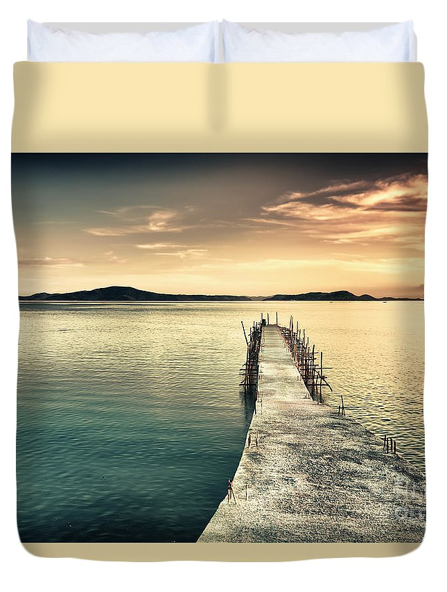 Sunset Duvet Cover featuring the photograph Sunset by MotHaiBaPhoto Prints