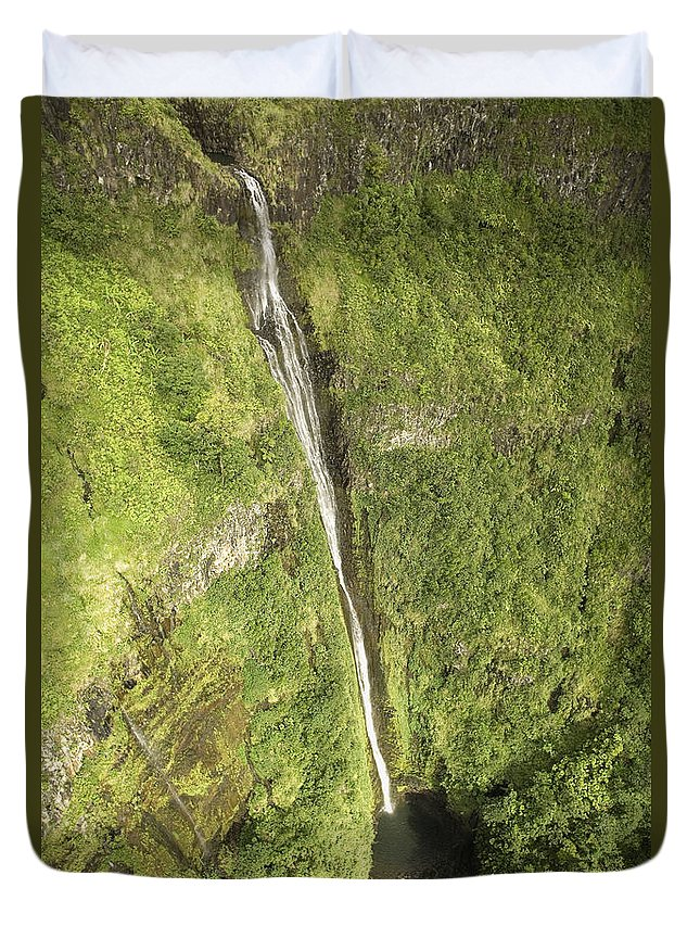 Base Duvet Cover featuring the photograph Wailua Falls by Ron Dahlquist - Printscapes