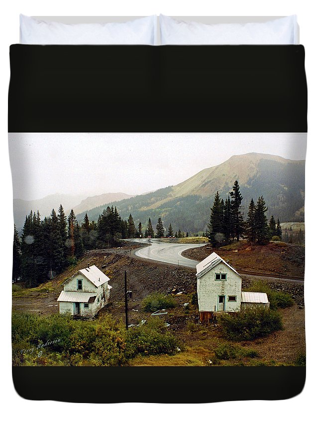 Highway Duvet Cover featuring the photograph 550 In The Rain by Terry Anderson