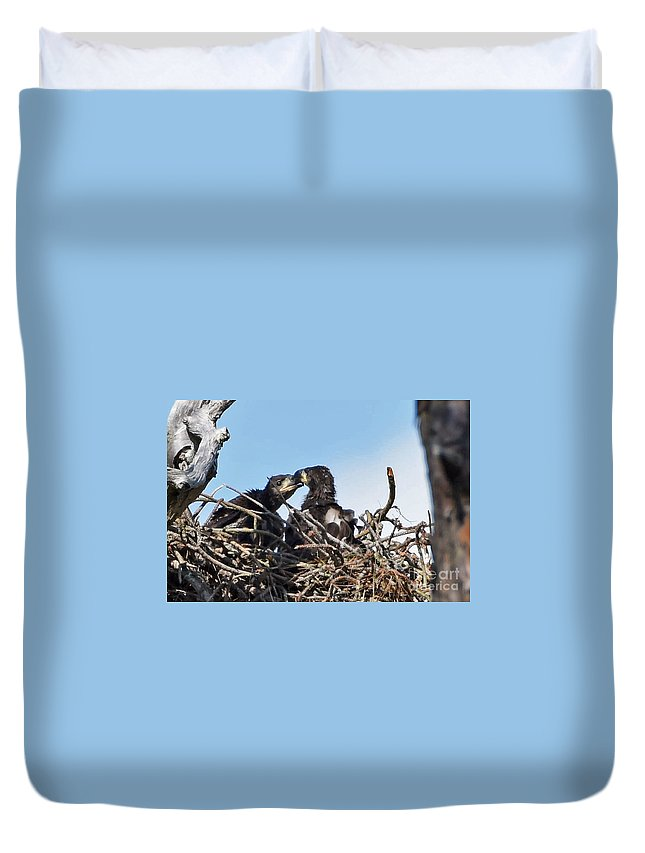 Duvet Cover featuring the photograph 5760 by Don Solari