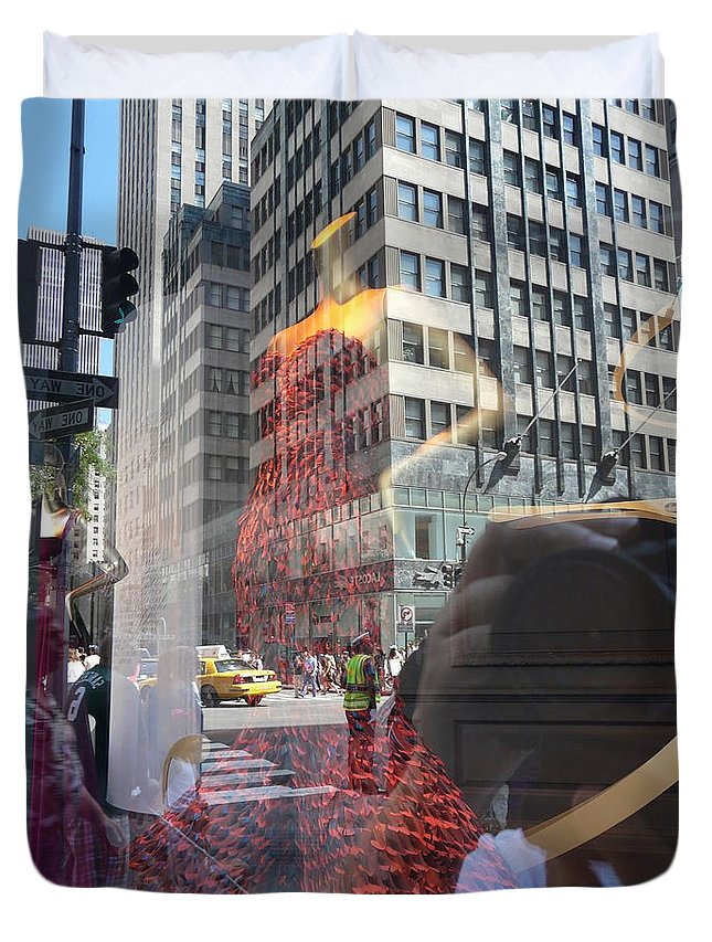 New York Duvet Cover featuring the photograph 5th Avenue by Valerie Ornstein