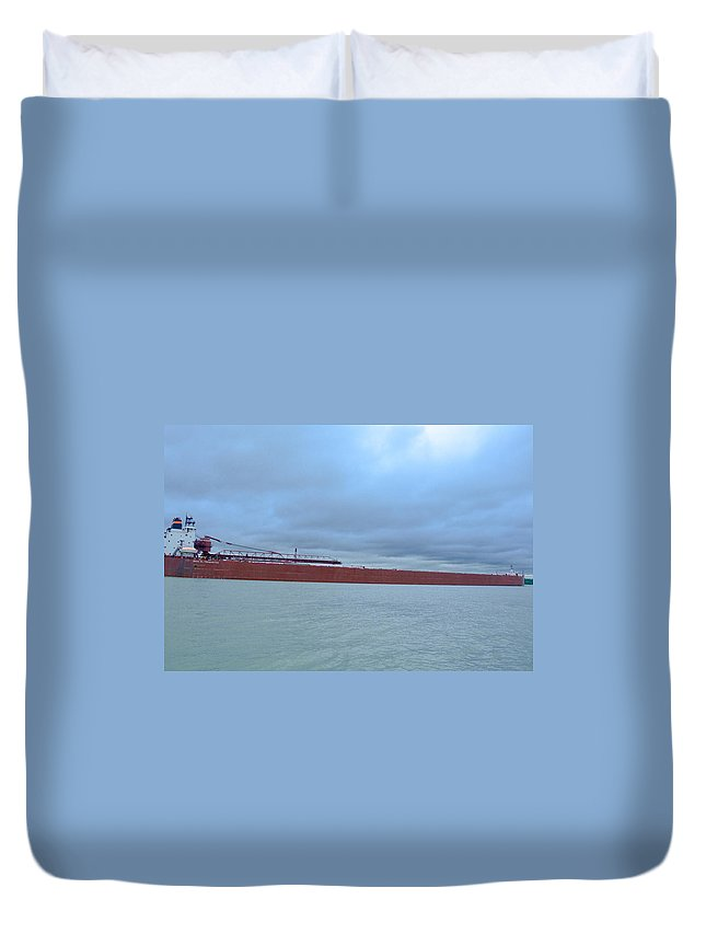 1 Duvet Cover featuring the photograph Paul R Tregurtha by Randy J Heath