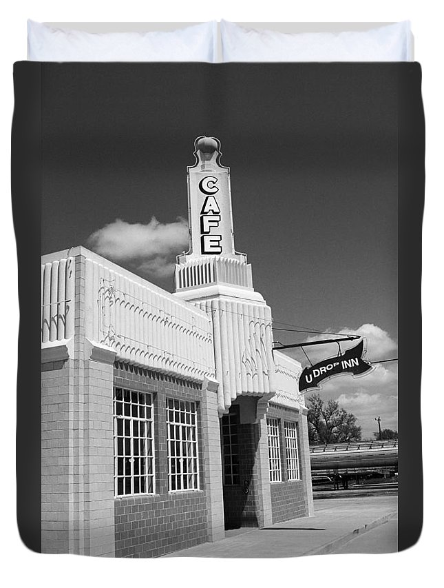 66 Duvet Cover featuring the photograph Route 66 - Conoco Tower Station by Frank Romeo