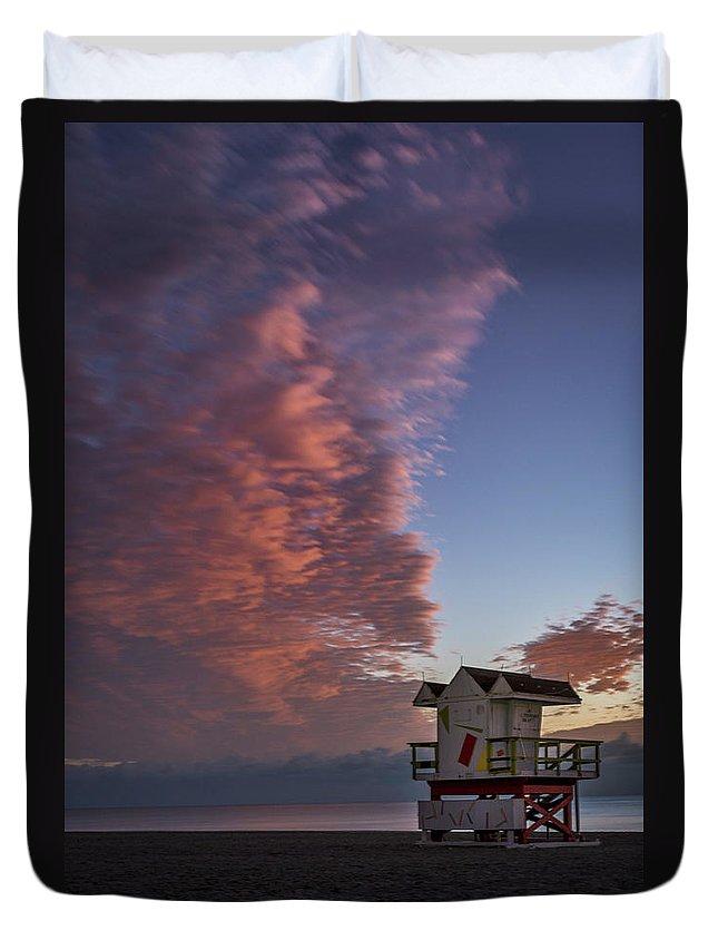 Atlantic Duvet Cover featuring the photograph 7826- Miami Beach Sunrise by David Lange