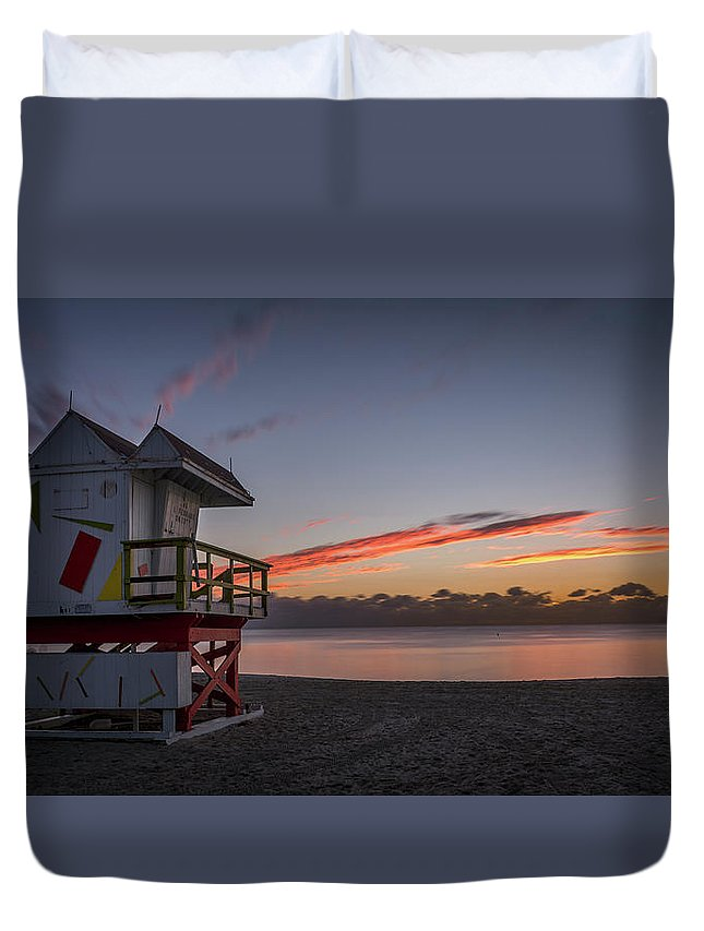 Atlantic Duvet Cover featuring the photograph 7935- Miami Beach Sunrise by David Lange