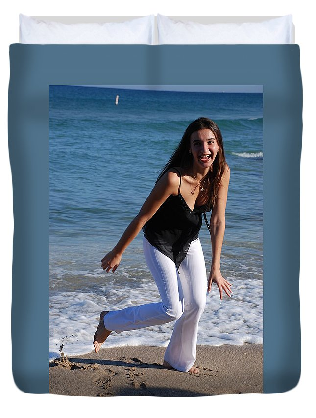 Sea Scape Duvet Cover featuring the photograph Gisele by Rob Hans