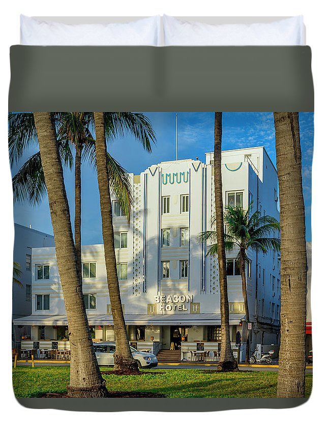 Beacon Hotel Duvet Cover featuring the photograph 8230-beacon Hotel by David Lange