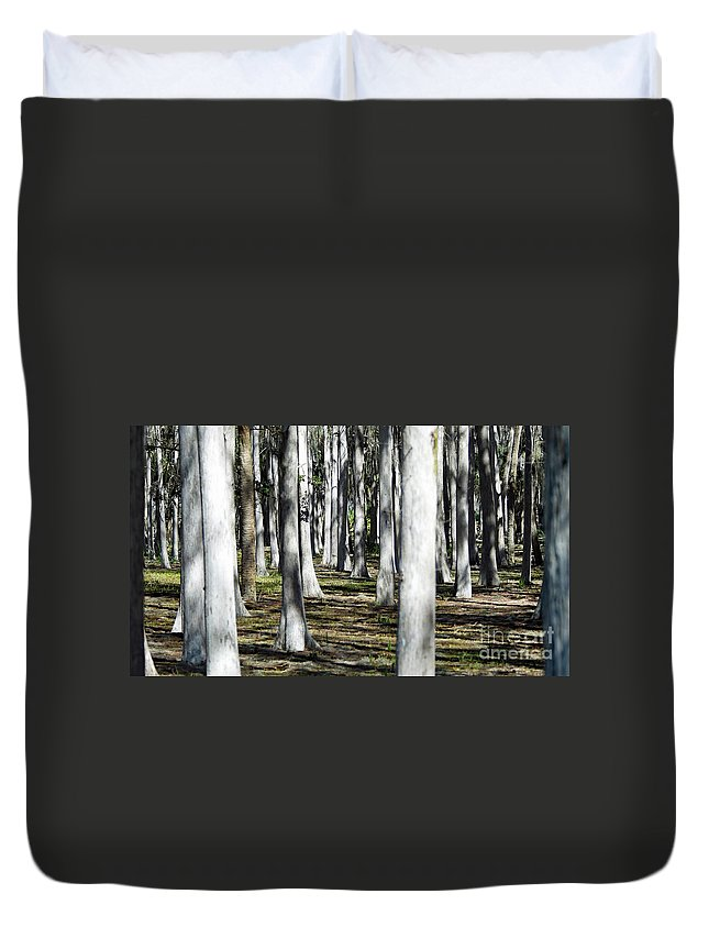 Duvet Cover featuring the photograph 9182 by Don Solari