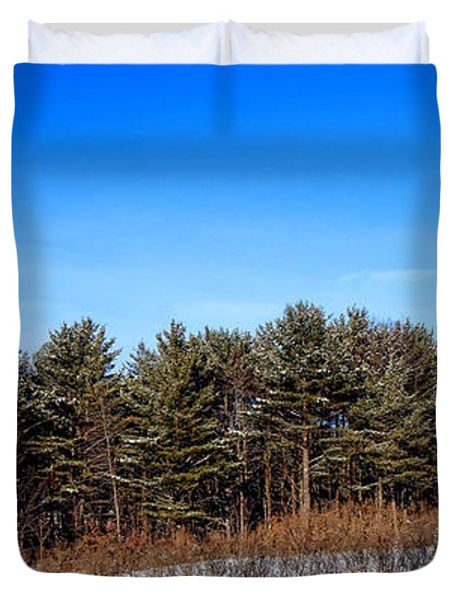 Maine Duvet Cover featuring the photograph A Barn In The Snow In Maine by Olivier Le Queinec