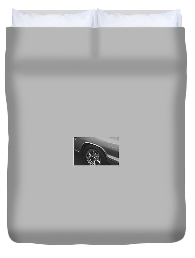 Vintage Cars Duvet Cover featuring the photograph A Classic In Classic Black And White by Linda McAlpine