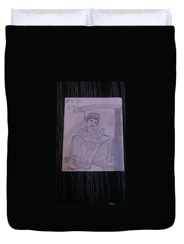 Be A Good Sports Person Is A Good Achievement In Life Duvet Cover featuring the drawing A Cricket Player by Ashok