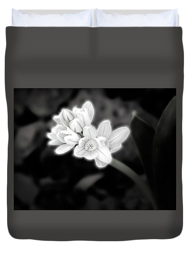 Flower Duvet Cover featuring the digital art A Glowing Daffodil by Renette Coachman