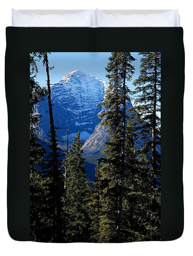 Jasper National Park Duvet Cover featuring the photograph A Peek At The Peak by Larry Ricker