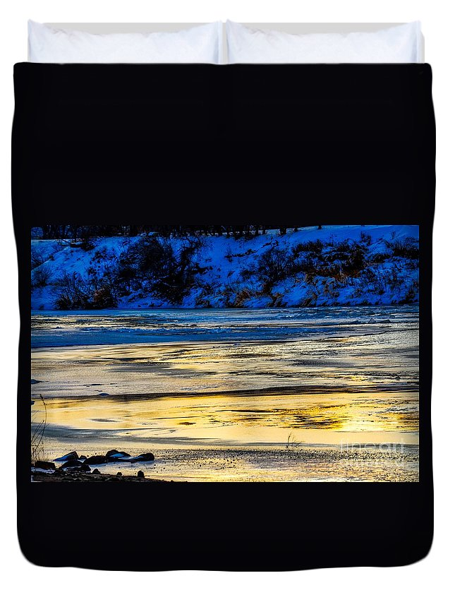 Landscape Duvet Cover featuring the photograph A Sunset In A River Of Ice by James Stewart
