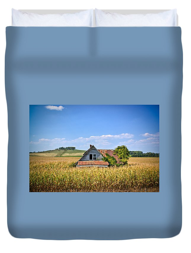 Abandoned Duvet Cover featuring the photograph Abandoned Corn Field House by Douglas Barnett