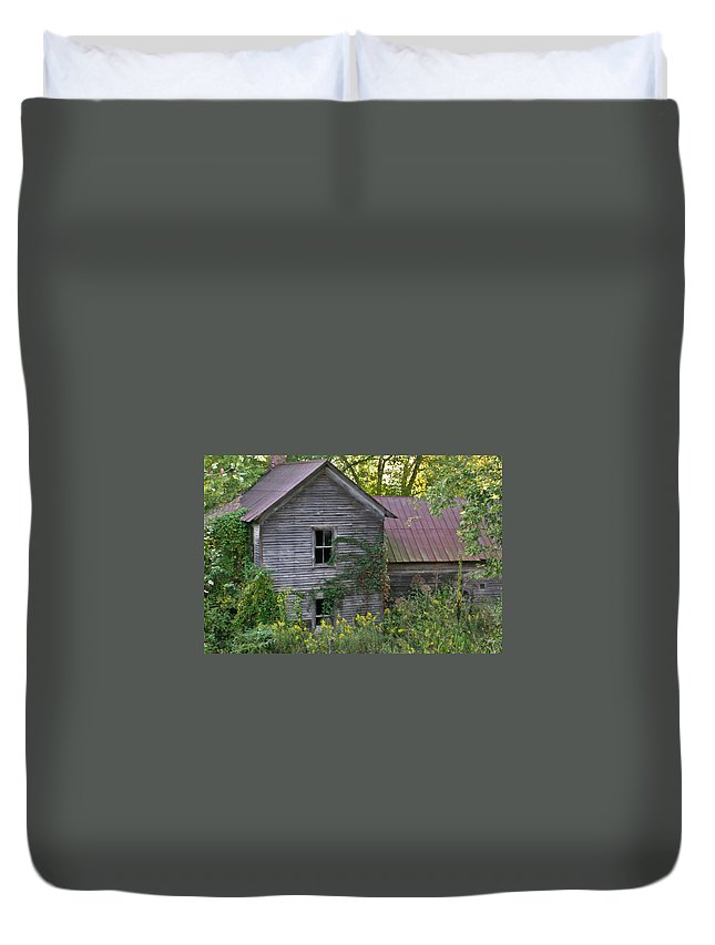 Morgan Duvet Cover featuring the photograph Abandoned Farmhouse on Stacy Fork by Douglas Barnett