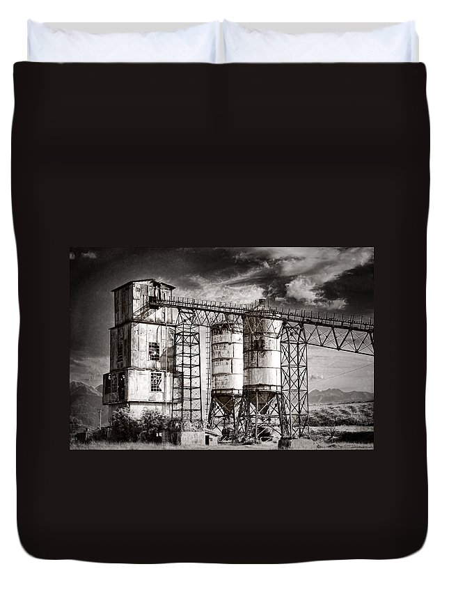 Factory Duvet Cover featuring the photograph Abandoned by Gabriela Insuratelu