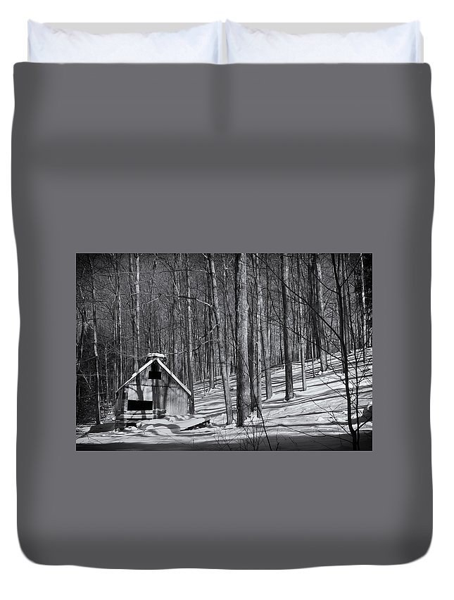 Plotczyk Duvet Cover featuring the photograph Abandoned New England Sugarhouse by Michael Plotczyk