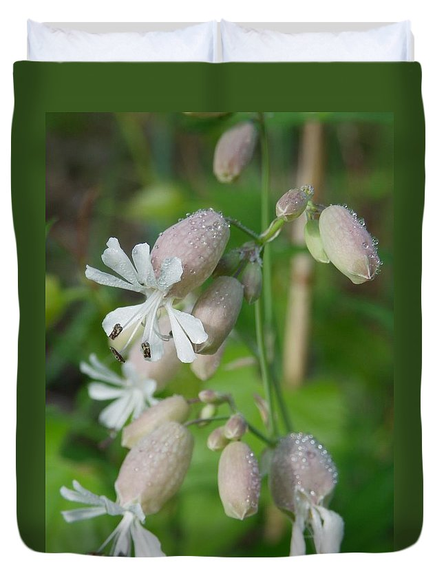 Nature Duvet Cover featuring the photograph About To Burst by Peggy King