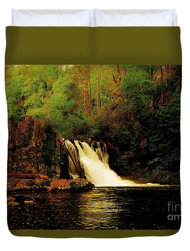 Abrams Falls Duvet Cover featuring the photograph Abrams Falls by Tress Chapin