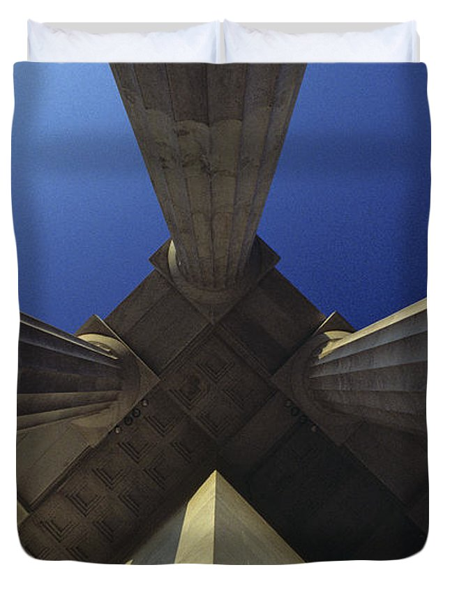 Architecture Duvet Cover featuring the photograph Abstract View Of Columns Of Lincoln by Kenneth Garrett