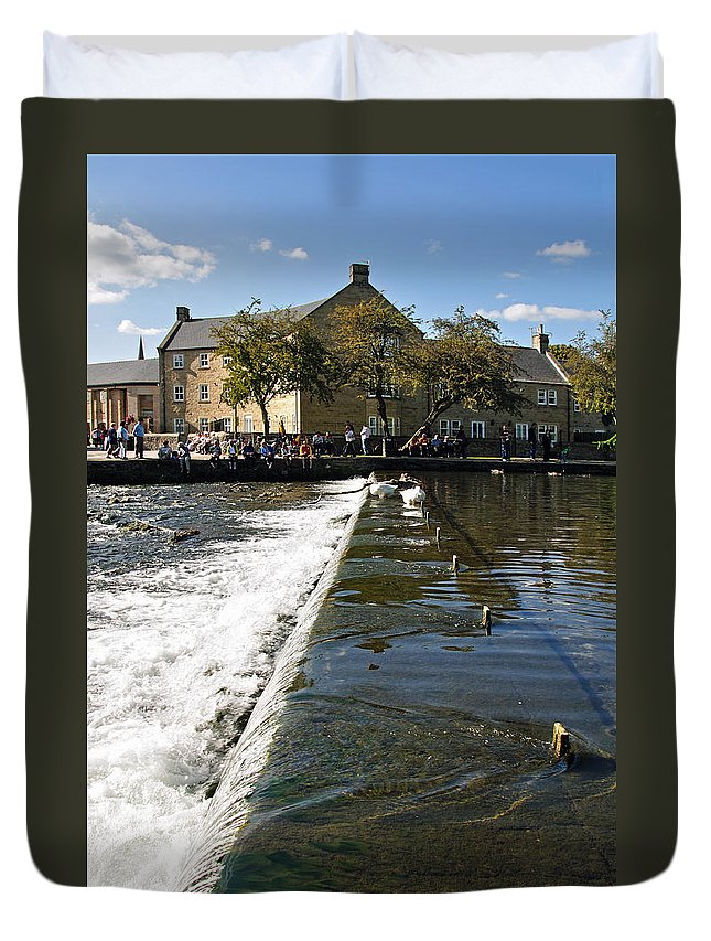 Bakewell Duvet Cover featuring the photograph Across The Weir At Bakewell by Rod Johnson