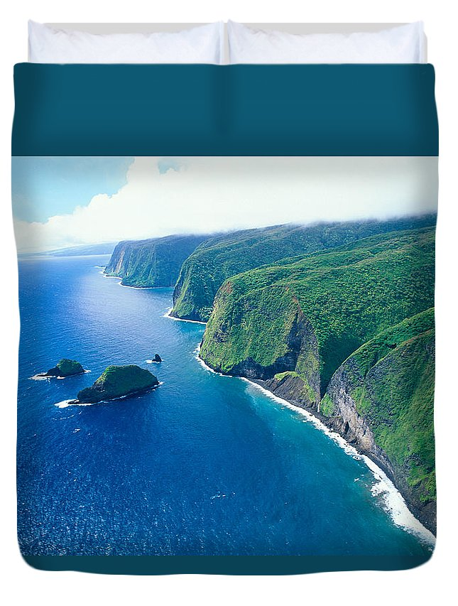 Aerial Duvet Cover featuring the photograph Aerial Of North Shore by Peter French - Printscapes