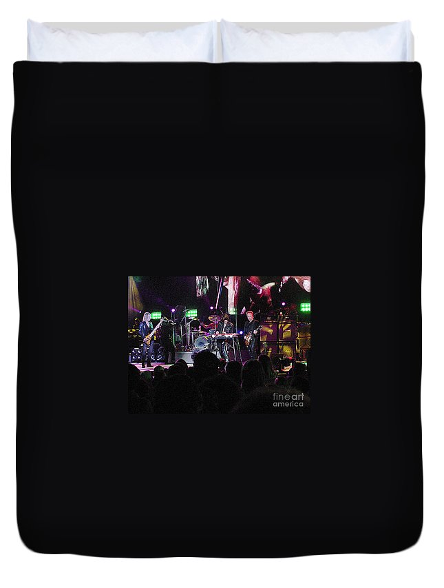 Aerosmith Duvet Cover featuring the photograph Aerosmith-00128 by Gary Gingrich Galleries