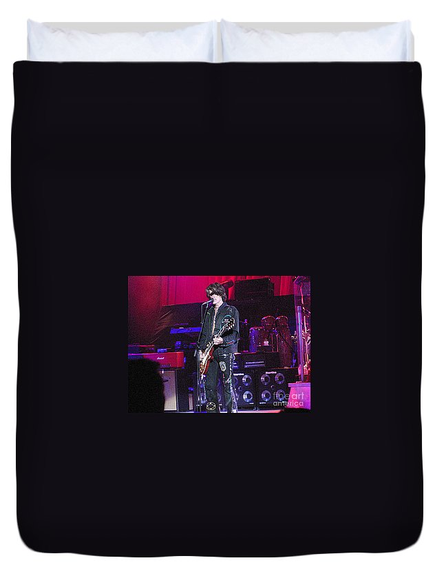 Aerosmith Duvet Cover featuring the photograph Aerosmith-joe Perry-00022 by Gary Gingrich Galleries