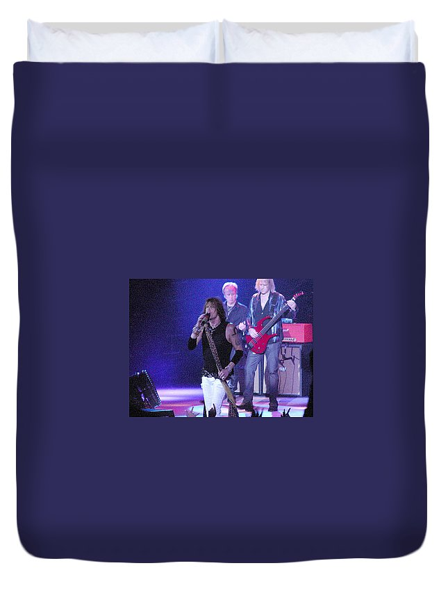 Aerosmith Duvet Cover featuring the photograph Aerosmith-steven Tyler-00078 by Gary Gingrich Galleries
