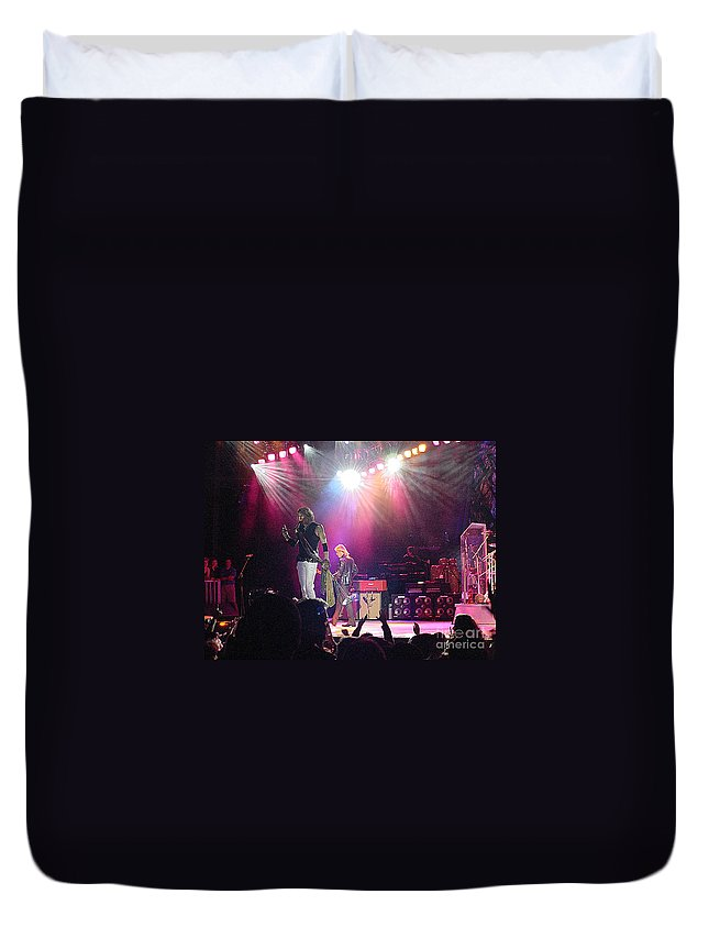 Aerosmith Duvet Cover featuring the photograph Aerosmith-steven Tyler-00082 by Gary Gingrich Galleries