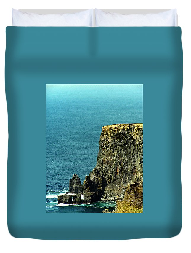 Irish Duvet Cover featuring the photograph Aill Na Searrach Cliffs Of Moher Ireland by Teresa Mucha