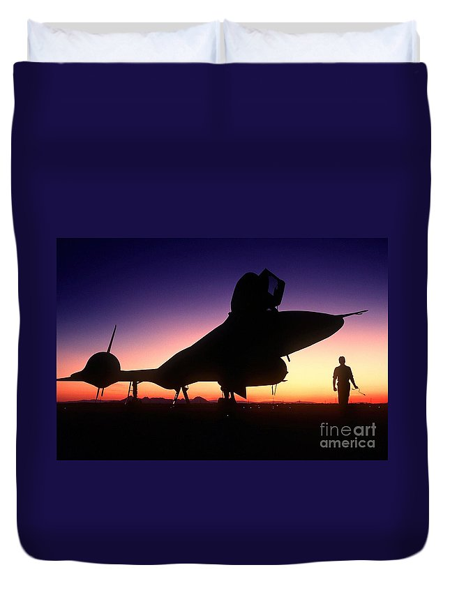 Aircraft Silhouette Duvet Cover featuring the painting Aircraft Silhouette by Celestial Images