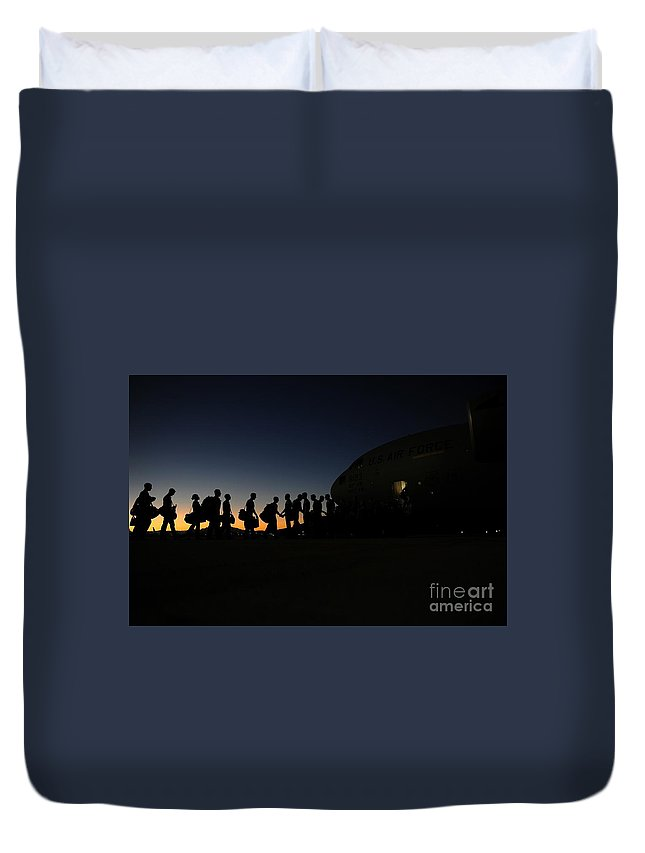 Airmen Boarding Duvet Cover featuring the painting Airmen Boarding by Celestial Images