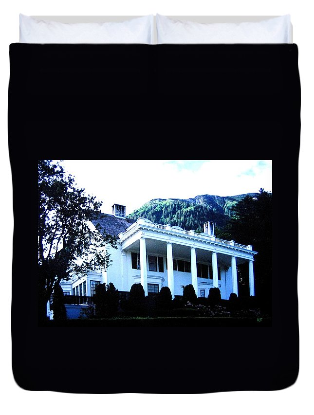 Alaska Duvet Cover featuring the photograph Alaska Governors Mansion by Will Borden