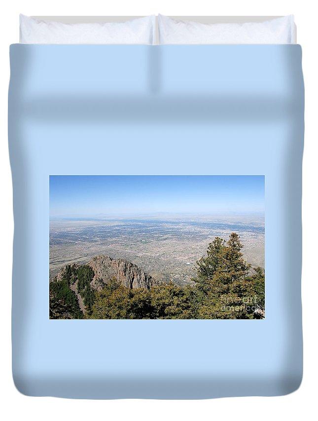 Albuquerque Duvet Cover featuring the photograph Albuquerque And The Rio Grande by David Lee Thompson