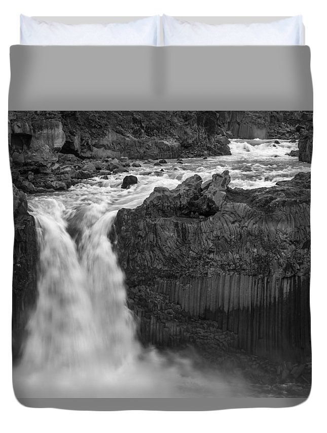 Aldeyjarfoss Duvet Cover featuring the photograph Aldeyjarfoss Waterfall Iceland 3353 by Bob Neiman