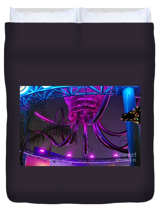Clay Duvet Cover featuring the photograph Alien Ship Or What by Clayton Bruster