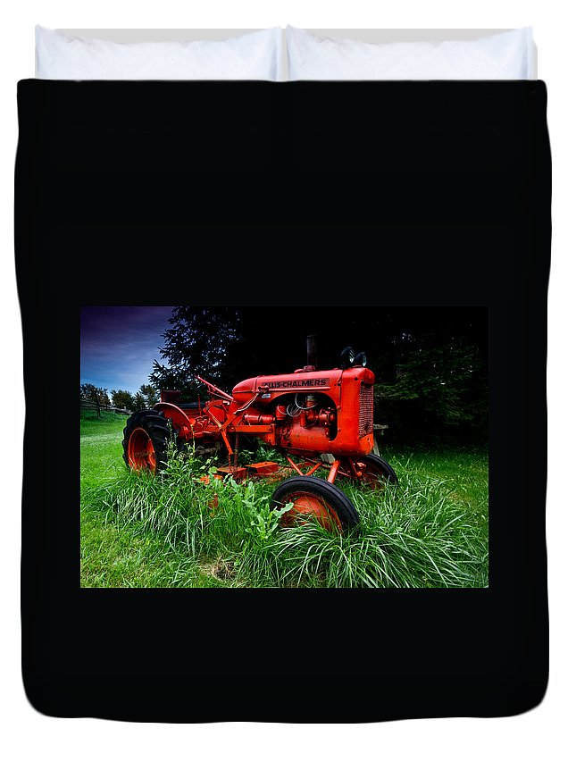 Farm Duvet Cover featuring the photograph Allis Chalmers Tractor by Cale Best