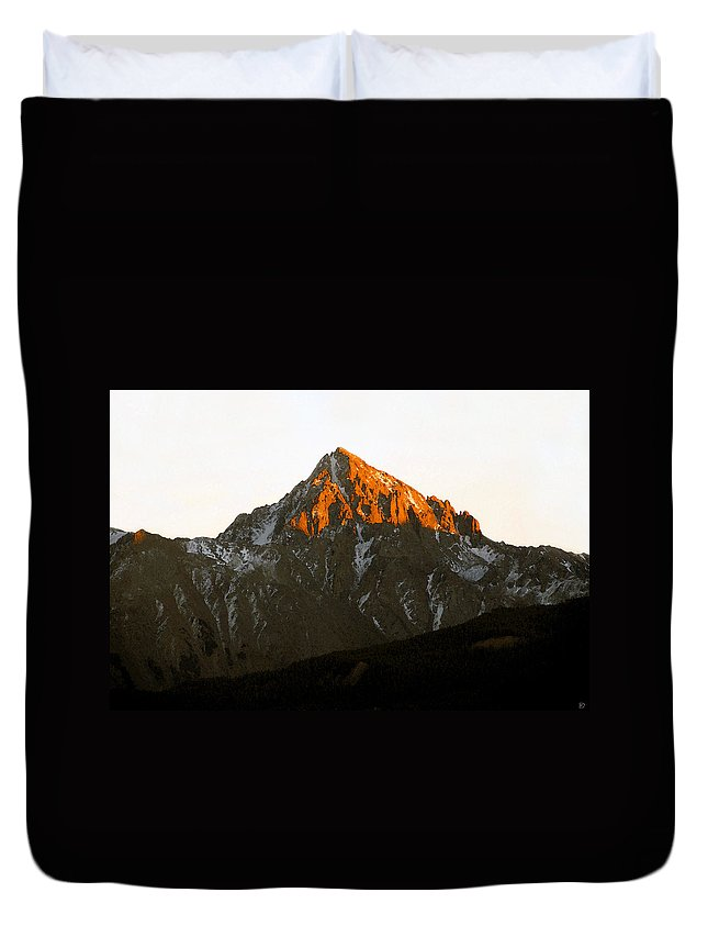 Alpine Glow Duvet Cover featuring the painting Alpine Glow by David Lee Thompson