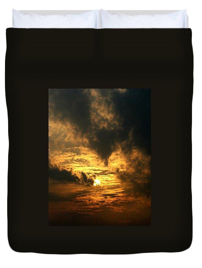 Daybreak Duvet Cover featuring the photograph Alter Daybreak by Rhonda Barrett