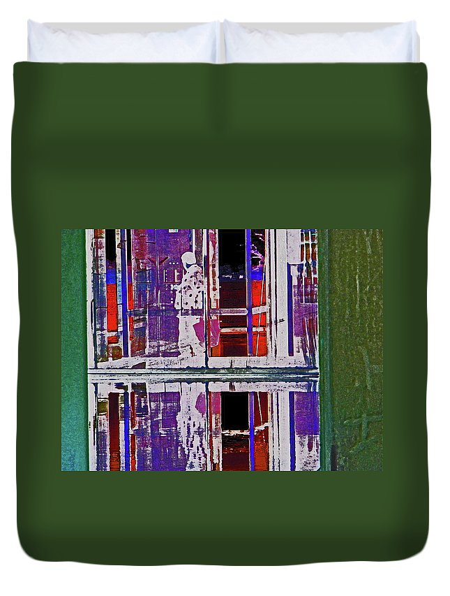 Abstract Duvet Cover featuring the digital art Alternate Reality 24-2 by Lenore Senior