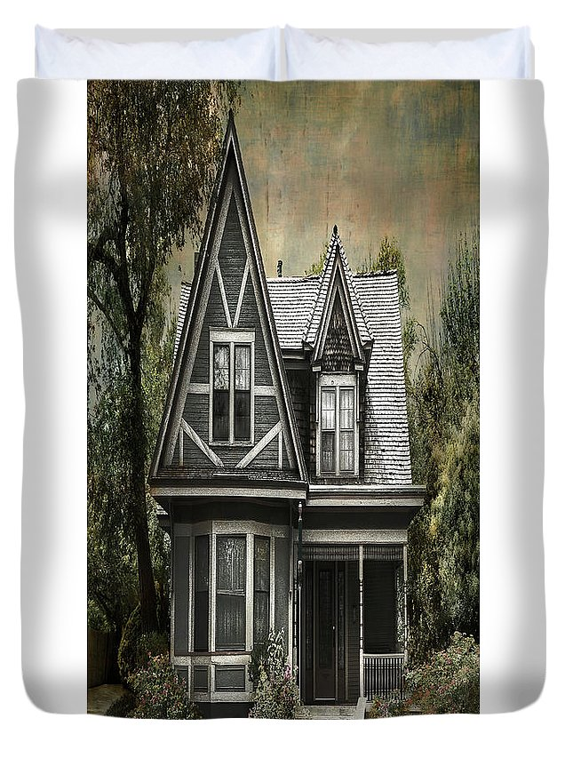 Architecture Duvet Cover featuring the photograph Amarillo Home by Sherry Adkins