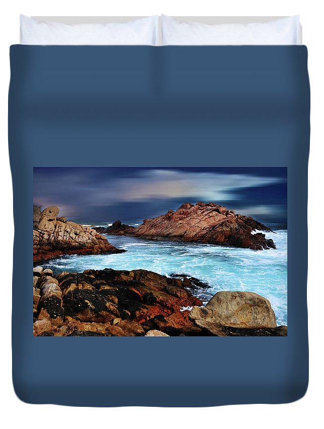 Landscapes Duvet Cover featuring the photograph Amazing Coast by Phill Petrovic