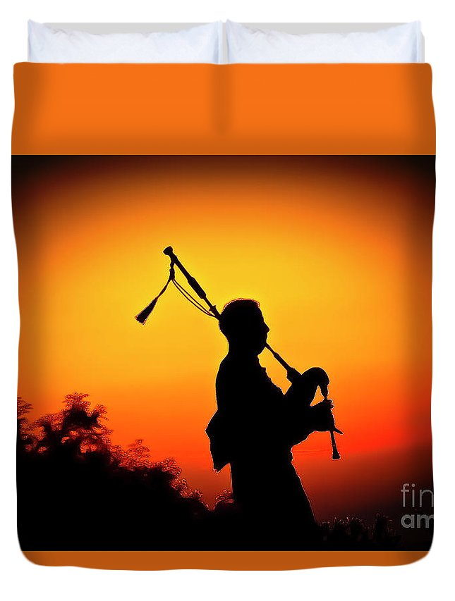 Sunset Duvet Cover featuring the photograph Amazing Grace by Jim Cazel