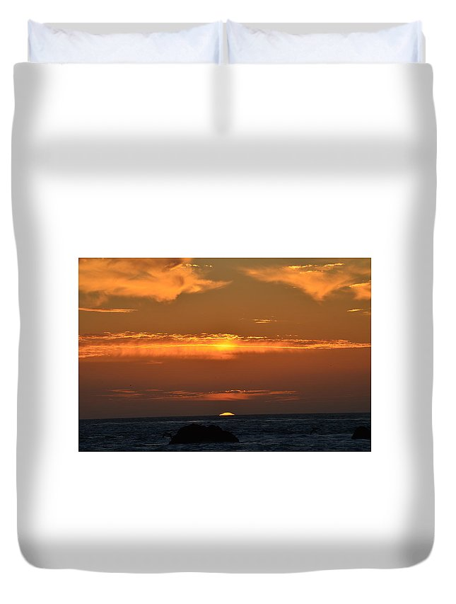 Sunsets Duvet Cover featuring the photograph Amazing Sunset 262 by Remegio Dalisay
