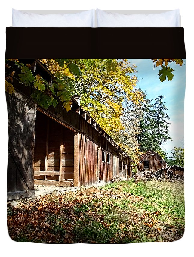 Farms Duvet Cover featuring the photograph An Old Farm by Mark Alan Perry