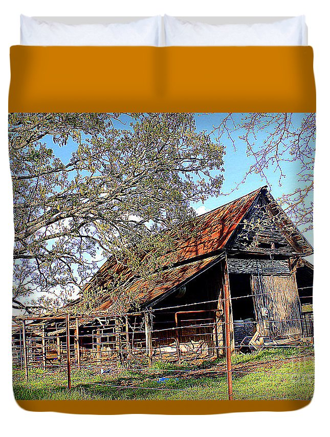 An Old Weathered Barn Poem Duvet Cover featuring the photograph An Old Weathered Barn by Kathy White